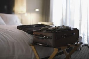 Use a large and long suitcase to maintain a wrinkle-free linen suit.