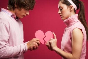 When things go wrong with your lover, offering an apology can help bring things back to normal.