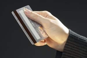 How Does the Magnetic Stripe on the Back of a Credit Card Work?