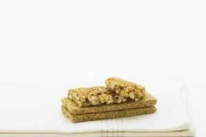 Granola bars pair well with peanut butter.