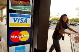 Can a Credit Card Collection Lawsuit Be Settled Before Trial?