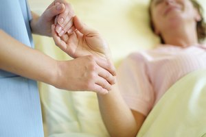 How Long Does It Takes to Get a Hospice Nurse Degree?