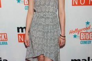 A simple sundress like the one sported by Elizabeth Banks is an ideal option for a brunch date.
