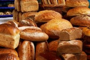 You can use several different kinds of bread for tortas.