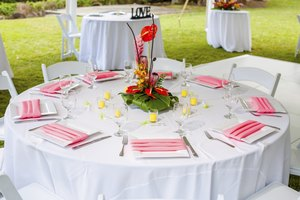 How to Decorate a Backyard for a Wedding Reception