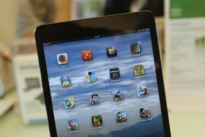 How to Buy Books to Read on My Apple Mini iPad