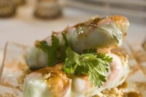 Summer rolls in peanut sauce are a tasty finger food.