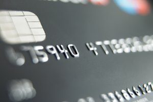 The Pros & Cons of Credit Cards at the Age of 18 Years Old