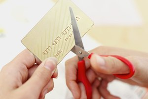 How to Cancel Credit Cards to Reduce the Debt to Income Ratio