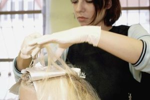 Top beauty schools give students opportunities for hands-on experience.