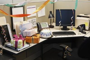 Suprise your boss with simple gifts on Boss's Day.