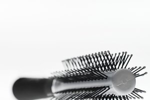 How to Use a Round Hairbrush