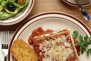 Include simple vegetable side dishes in your lasagna dinner menu.