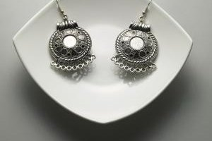 Wearing silver jewelry regularly helps keep tarnish away.