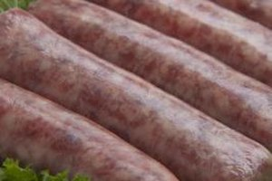 Make your bratwurst more flavorful by trying different steaming liquids, such as wine, darker beers or stock.