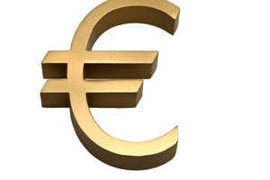 Investors buy ETFs in several currencies, including the euro.