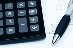 How to Calculate Interest Payments on a School Loan