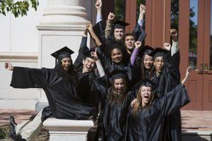 How to Write a Greeting for a Graduation Speech