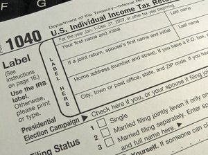 Can Married Couples File Separate Taxes?