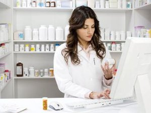 Pharmacy Assistants Vs. Pharmacy Technicians