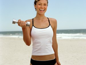 A Non-Running Beach Workout to Slim Thighs and Stomach