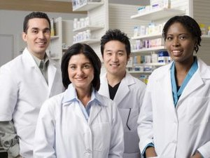 What Is the Estimated Annual Income for Pharmaceutical Careers?