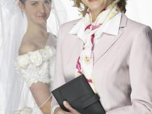 How Much Should be Paid for a Wedding Planner?