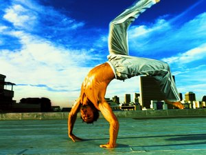 How to Do a Capoeira Handstand
