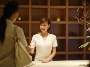 A Spa Receptionist's Duties