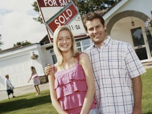 How to Know If a Sale Is Pending on a House?