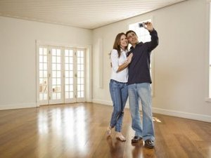 Does My Husband's Credit Affect Mine for a Mortgage?