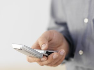 Can Breaking My Cell Phone Contract Hurt My Credit Rating?