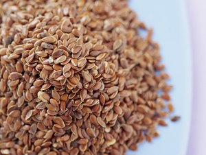 Health Benefits & Medicinal Uses of Flaxseeds