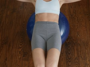 What Exercises Work Out the Upper Abdominals?