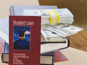 What Kind of Loans Can a Single Full-Time Student Receive?
