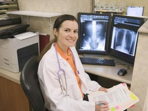 How Much Do Radiography Techs Make Woman