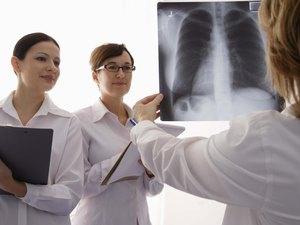 How to Work & Train to Become a Radiologist