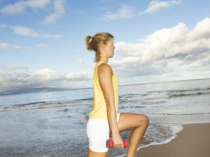 The Best Way to Do Lunges Without Hurting Your Knees