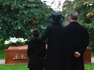 Can an Ex-Wife Receive Social Security Benefits From a Dead Husband?