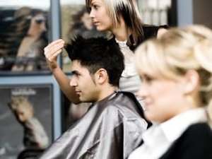 How to Become a Professional Hair Stylist