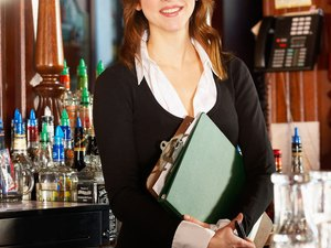 Michigan Overtime Laws for Restaurant Managers