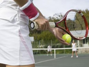 How to Prevent Blisters From a Tennis Racket