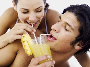 What Are the Health Benefits of Drinking Pineapple Juice?