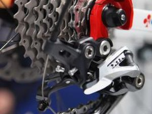 Ultrasonic Bicycle Chain Cleaning