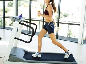 Burning Extra Calories on a Treadmill With Hand Weights