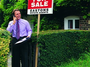Can You Fire a Real Estate Agent if They Are Doing a Bad Job?