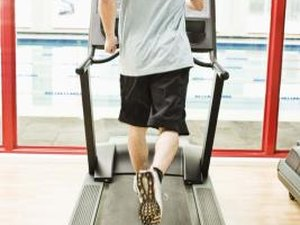 Do Treadmills Tone the Stomach as Well as the Legs & Buttocks?