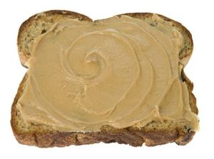 The Benefits of Almond Butter vs. Peanut Butter