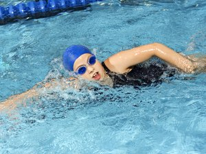 Is Swimming Good for Tightening the Thighs & Buttocks?