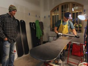 How to Wax a New Snowboard
